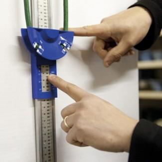 appareil de mesures pour courroies de tondeuses appareil de mesure courroie tondeuse. Black Bedroom Furniture Sets. Home Design Ideas